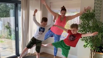 Kids Fit Top To Toe Stretch